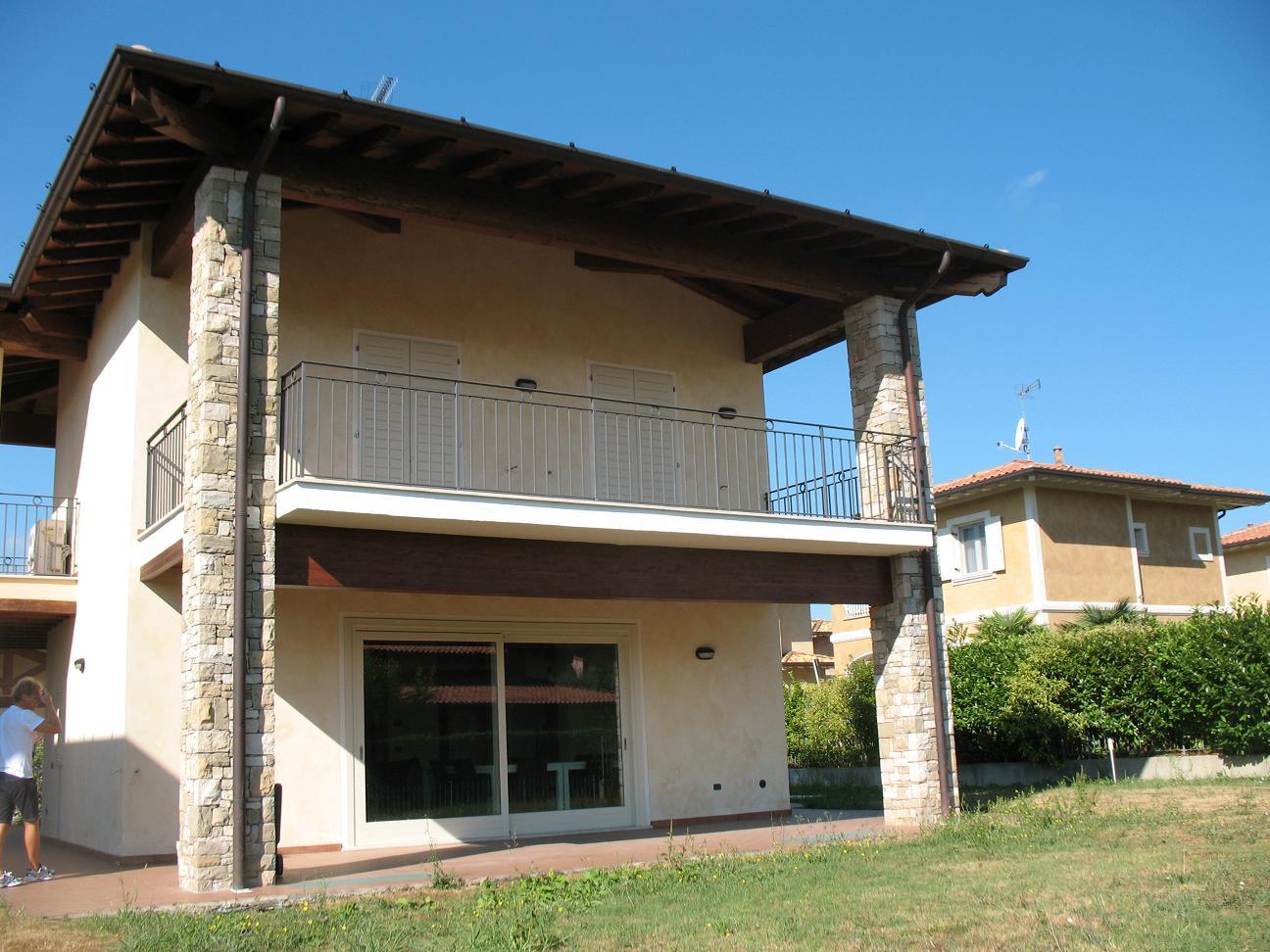 Villa singola a Manerba del Garda